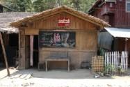 Le cinéma du village. Photo Marchés d'Asie.