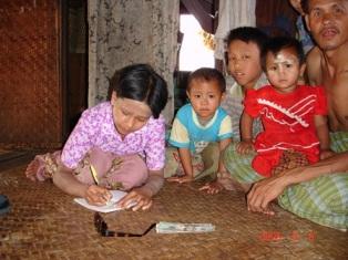 Aide à la scolarisation. Photo Marchés d'Asie.