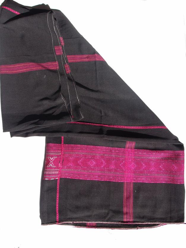 Longy en coton et soie. Photo Marchés d'Asie.
