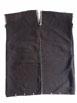Tunique en coton teint à l'indigo faite de deux bandes de tissu cousues par le milieu. Photo Marchés d'Asie.
